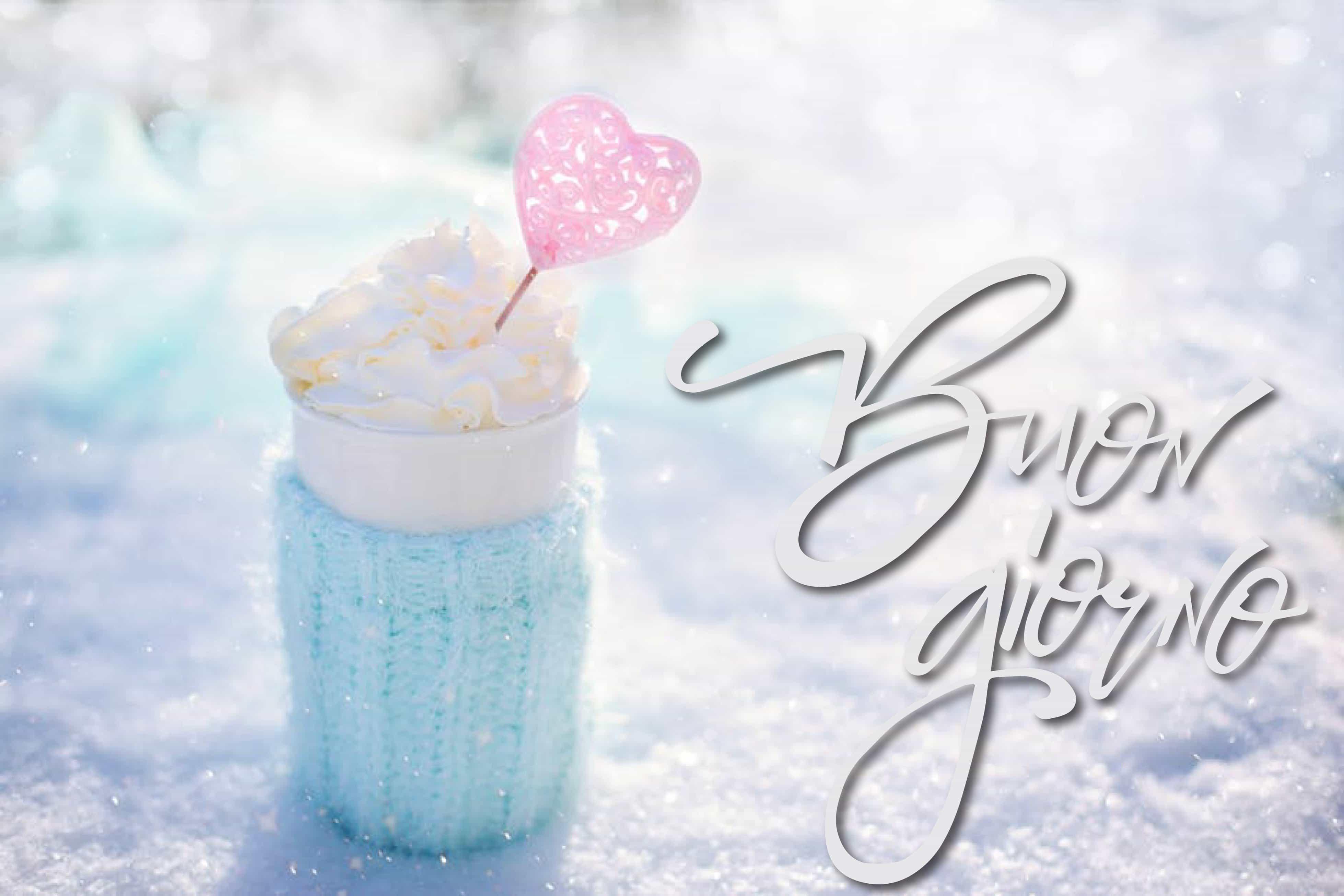 Buon giorno con neve foto invernale